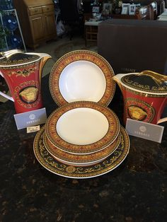"""VERSACE BY ROSENTHAL,GERMANY  /""""ICONIC HEROES/"""" DINNER PLATE 10 1//2/"""" STUNNING!"""