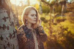 bomber jacket, bomberjacke, chic, dress, kleid, style, fashion, look, outfit, spring, summer, inspiration, blonde, hair, girl, woman, summer, photography, photoshooting, nature, outdoor, light, sunshine, sun, beautifiul, chic, edgy, cool, fashion blogger, christina key, berlin, freiburg, köln, münchen, hamburg, forest, wald, gegenlicht, fotoshooting, boho, make up, hairstyle, portrait, sensual, sexy,