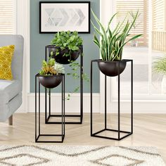 Cameley 3 Piece Modern Rectangular-Framed Plant Stand Set feature open rectangular iron frames with square bases, medium-deep inverted dome plant bowls. Metal Plant Stand, Modern Plant Stand, Diy Plant Stand, Plant Stands, Modern Interior, Modern Decor, Interior Design, Decoration Plante, Indoor Flowers