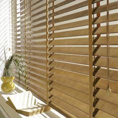 Stores intérieurs Stores vénitiens Store vénitien en bois lames African Bedroom, Store Venitien, Blinds, New Homes, Curtains, Furniture, Design, Home Decor, Bathroom