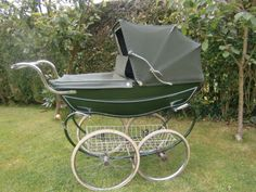 I always wanted one of these when I had my two children in the 70's but not practical for the car.