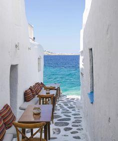 Kastro bar in Mykonos (Greek island)