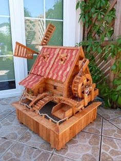 Used Woodworking Machinery Woodworking Kit For Kids, Used Woodworking Machinery, Woodworking Projects, Woodworking Videos, Wooden Planter Boxes Diy, Wooden Garden, Old Window Projects, Wood Projects, Windmill Diy