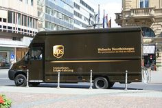 Send a parcel online with UPS parcel delivery. Discounted UPS courier services, and great customer service. Ups Delivery, Parcel Delivery, Mercedes Benz Vans, Commercial Van, United Parcel Service, Van Car, Small Trucks, Taxi