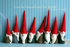 Fondant gnomes - would work with Fimo!Fondant elves make these out of fimo clayelves and gnomes from fimo so cuteGnomes - cute easy idea for Christmas cake or fimo ornaments.Fondant Gnomes - these would be great on a woodland Fairy cake Fimo Clay, Polymer Clay Charms, Polymer Clay Projects, Polymer Clay Creations, Clay Crafts, Polymer Clay Ornaments, Jumping Clay, Polymer Clay Christmas, Clay Figurine