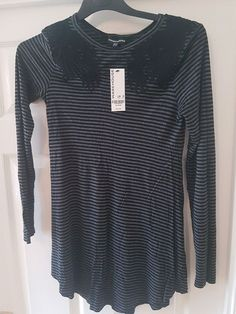 LADIES BLACK COTTON LONG SLEEVE TOP WITH FEMINIST PRINT SIZES 8 TO 12 BNWT