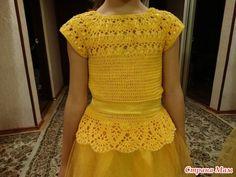 Красивое платье! - Страна Мам Crochet Dress Girl, Baby Girl Crochet, Crochet Baby Booties, Crochet For Kids, Crochet Clothes, Crochet Vest Pattern, Crochet Fabric, Crochet Tunic, Crochet Top