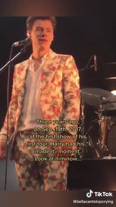 Harry Styles Singing, Harry Styles Concert, Harry Styles Smile, Harry Styles Funny, Harry Styles Edits, Harry Styles Baby, Harry Styles Pictures, Harry Edward Styles, One Direction Videos