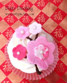 Chinese New Year cupcakes