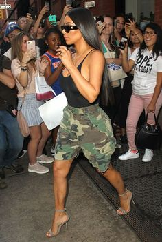 Kim Kardashian goes bra-less in a sheer bodysuit and camo shorts on day out in New York with sister Kendall - Moda Femminile Kim Kardashian Blazer, Kim Kardashian Meme, Looks Kim Kardashian, Estilo Kardashian, Kardashian Style, Kim Kardashian Yeezy, Kardashian Workout, Kardashian Jenner, Sexy Outfits