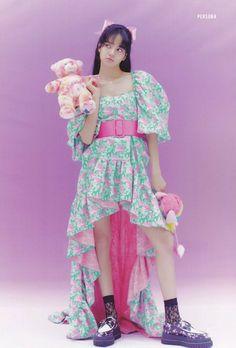 Divas, South Korean Girls, Korean Girl Groups, Image Pinterest, Lisa Blackpink Wallpaper, Jennie Lisa, Lisa Bp, Black Pink Kpop, Blackpink Photos