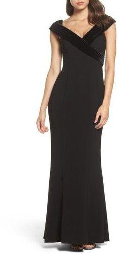 Vince Camuto Women's Velvet Portrait Collar Crepe Gown
