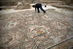 Revelan mosaico con más de 1.700 años de antigüedad
