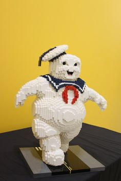 "The Stay Puft Marshmallow Man From ""Ghostbusters"" Has Been Recreated In LEGO And It Is Awesome!! #LEGOSDCC"