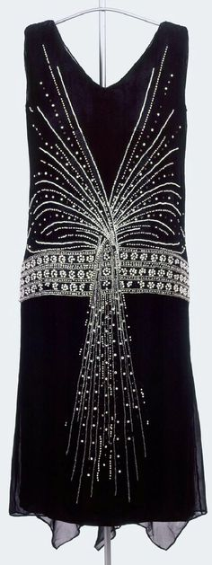 Evening dress ca. 1925. McCord Museum