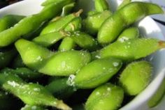 Try this delicious New Orleans recipe for Spicy Edamame; a healthy snack food that will make your taste buds and your waistline happy! New Orleans Recipes, Vegan Recipes, Snack Recipes, Summer Dishes, Edamame, Starters, Healthy Snacks, Spicy, Appetizers