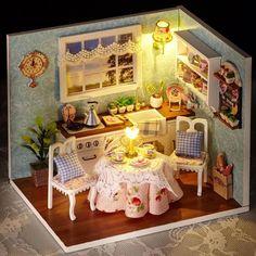 Hoomeda M024 DIY Dollhouse Miniatures Model Kit Little Happiness Assembling Hand