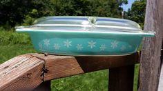 Vtg Pyrex Turquoise Snowflake Divided Cinderella Casserole Dish Lid 1.5 Qt Blue  #Pyrex