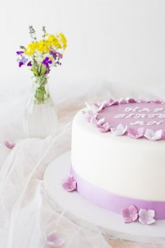Styled Shoot Floral Birthday Cake / Cake: www.tortenhimmel.ch / Photo: www.monikapayerphoto.com Birthday Cake, Dreams, Floral, Style, Fondant Cakes, Swag, Birthday Cakes, Florals, Flower