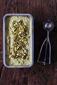 raw vegan pistachio ice cream // gratitude and greens