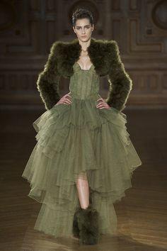 elie saab haute couture 2014 | Défile Serkan Cura Haute couture Automne-hiver 2013-2014 - Look 2