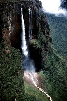 #Canaima_National_Park in #Venezuela #UNESCO_World_Heritage_Site http://directrooms.com/venezuela/hotels/index.htm
