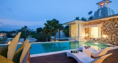 Bali luxury holidays offer luxury villas, 5 star hotels and some of the best luxuryresort in Indonesia