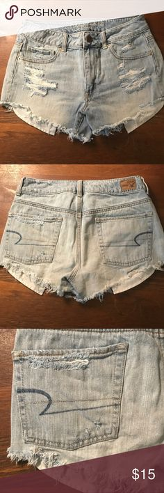 High rise fray distressed AE jean shorts Only wore once! ♠️ High-Rise Shorties American Eagle Outfitters 🦅 American Eagle Outfitters Shorts