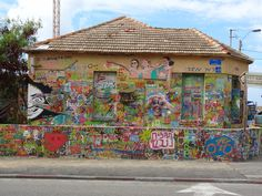 House of Street painter Rami Hameiri in Tel Aviv by the see