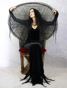 Moonshadow Morticia Dress - Morticia Addams Costume by Moonmaiden Gothic Clothing Morticia Addams Costume, Steampunk Clothing, Gothic Clothing, Witchy Outfit, Halloween Fancy Dress, Halloween Costumes, Goth Dress, Gothic Outfits, Costume Dress