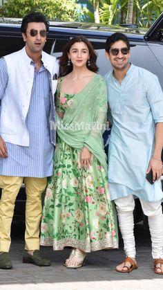 Alia Bhatt dons her desi best for her latest movie, Bramāshtra's logo reveal. Indian Fashion Dresses, Dress Indian Style, Pakistani Dresses, Stylish Dress Designs, Designs For Dresses, Stylish Dresses, Indian Wedding Outfits, Indian Outfits, Churidar