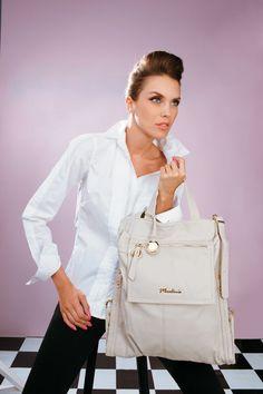 Super Oferta ! Bolsa de mão e transversal Macadâmia R$ 71,90 no site www.ShopShoes.com.br