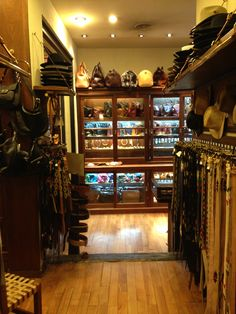 Arandu - Great place for polo gear, boots, and leathers.