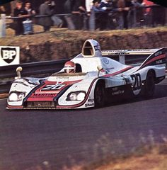 Jacky Ickx - Gijs van Lennep (Porsche 935 2.1L turbo) 1er 24 heures du Mans 1976 - alpha auto c.1976.