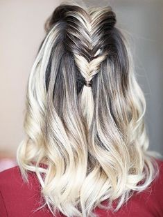 Braided hairstyles ideas with stylish hair color 2018 looks absolutely fabulous Hair Color 2017, Cool Hair Color, Hair Colors, Cut Her Hair, Love Hair, Elegant Hairstyles, Braided Hairstyles, Hairdos, Geisha Hair
