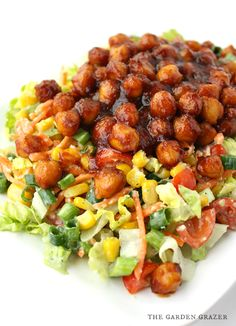 BBQ Chickpea Chopped Salad with Avocado Ranch Flavor explosion salad! A colorful chopped salad tossed with creamy avocado ranch, then topped with chickpeas simmered in BBQ sauce (vegan, gluten-free) Veggie Recipes, Whole Food Recipes, Vegetarian Recipes, Cooking Recipes, Healthy Recipes, Avocado Recipes, Veggie Food, Cooking Tips, Dinner Recipes