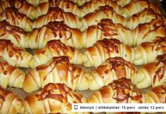 Vendégváró kis kiflik Hungarian Recipes, Cooking Recipes, Healthy Recipes, Diy Food, Croissant, Macaroni And Cheese, Cake Recipes, Bakery, Food And Drink