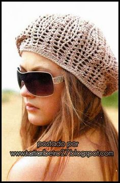 Crochet ideas that you'll love Bonnet Crochet, Crochet Beret, Crochet Hat For Women, Crochet Cap, Crochet Woman, Knitted Hats, Slouch Hats, Crochet Cushion Cover, Crochet Cushions
