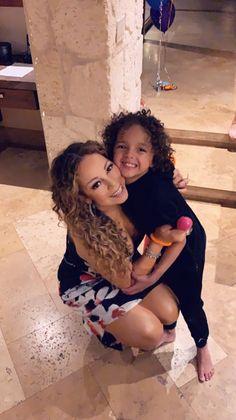 Mariah Carey Kids, Mariah Carey Quotes, Mariah Carey Butterfly, Mariah Carey Pictures, Martina Mcbride, Concert Tickets, Celine Dion, Lab, Freddie Mercury