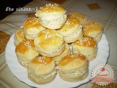 Töltött pogácsa Eta módra Hungarian Recipes, Croissants, Scones, Hamburger, Sandwiches, Bakery, Breads, Kitchen, Bread Rolls