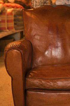 tempurpedic country sleeper chair style want need love  pinterest country small spaces and spaces