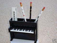PIANO Desk Caddy Upright + 3 Music Pencils Ruler NIB