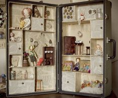 Great Idea to repurpose an old case & fill it with little treasures * tokens & memories. by ~ligreego Artisan Crafts /