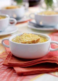 Sopa de cebola gratinada do Olivier Anquier. Sopas e caldos – Muito queridos e procurados na estação, as sopas sempre estão em alta na estação.