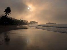 La spiaggia di Mirissa all'alba, Sri Lanka