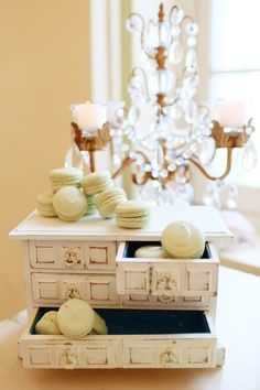 Mint macarons - www.theperfectpalette.com - Lemiga Events, Melissa Prosser Photography