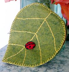 free Leaf Needle Book Pattern and instructions