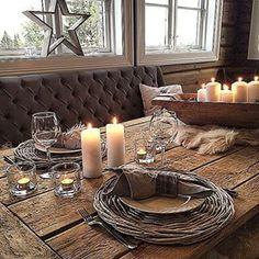 hytteinspirasjon - Google-søk Cozy Cabin, Table Settings, Table Decorations, Furniture, Home Decor, Google, Kitchen, Decoration Home, Cooking