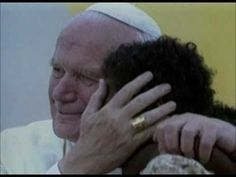 Such a beautiful tribute to Saint John Paul II and how he loved the children and they loved him in equal measure. Catholic Priest, Catholic Saints, Fulton Sheen, Learning To Pray, Juan Pablo Ii, Pope John Paul Ii, Saint John, Pope Francis, Kirchen