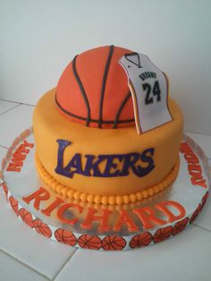 Laker's cake. #1 fan , i love Kobe :)